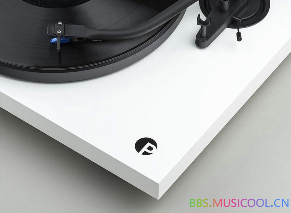 pro-ject_debut_s_audiophile_white_alt.jpg